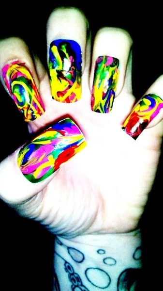 happyhues:  Rainbow nails, yes please!