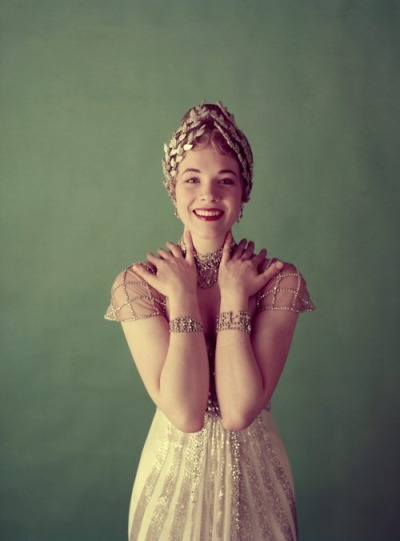 lulufrost:  VINTAGE PHOTO FRIDAY Julie Andrews dripping in diamonds.
