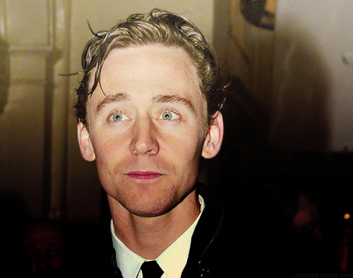 078/100 Photos of Tom Hiddleston