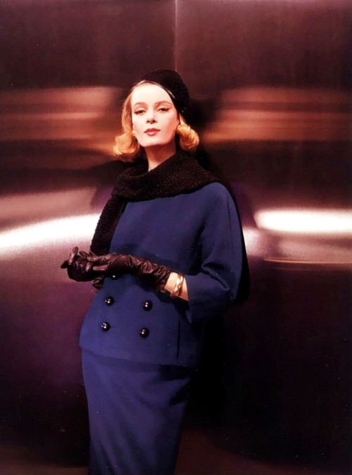 Nena von Schlebrügge (Uma Thurman's mother) for Vogue, 1961. (Photo by John Rawlings)