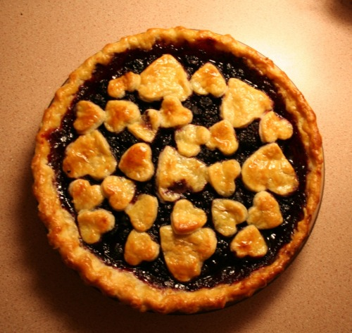Blackberry blueberry pie <3 http://theawkwardbaker.wordpress.com/
