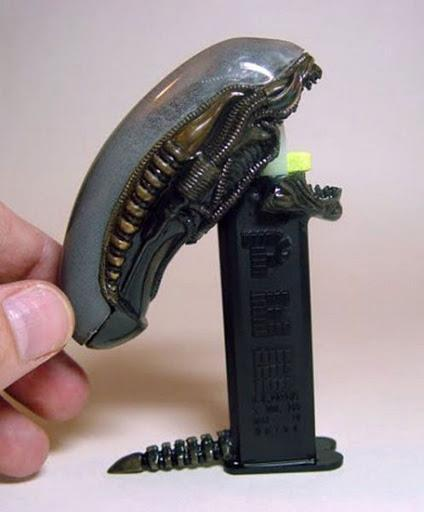 arcaneimages:  alien pez