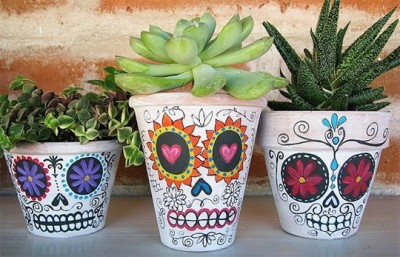 precios-o:  million-aire:  loooooove sugar skulls  summer / fashion blog. check it out?