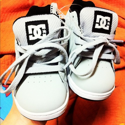 Baby shoes for my godson bebelog Cian! :-* #dc #shoes #baby #instagood #instamood #kicks #iger #igdaily #igaddict  (Taken with instagram)