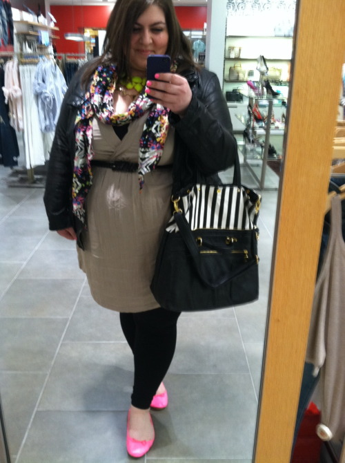 Look of the day: Neon! Scarf: Madwell     Jacket: Gap     Bag: Urban Outfitters     Dress: Torrid     Necklace: Forever21     Smaller Necklace: Madwell     Earrings: Forever21