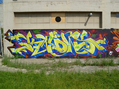 Knows. Detroit 2012 on Flickr.Knows. #detroit #graffiti #typography #corktown