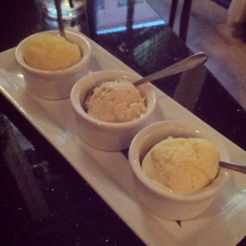 #icecream buffet! (mimosa sorbet, maple bacon, & popcorn flavors) #foodie #desserts (Taken with Instagram at Pop Champagne & Dessert Bar)