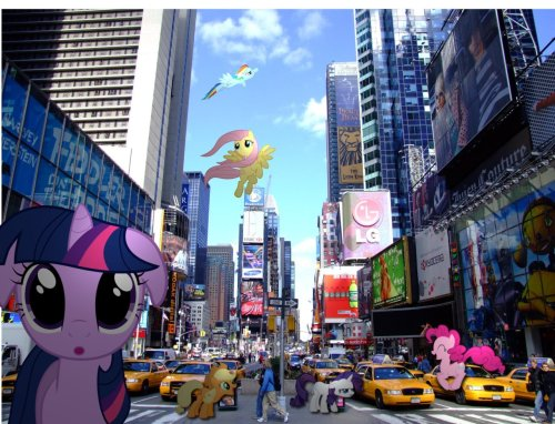 IT'S SUMMER!! The mane 6 are going to travel this summer..first stop…NEW YORK!