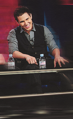 Top Carlos Pena Outfits : Vests / Sweatervests