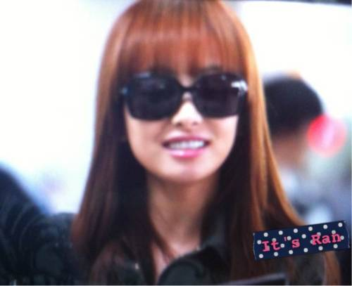 [FANTAKEN] 120518 Victoria at Incheon Airport (Going to L.A.) Cr: It's Ran ||welovevictoria Lils