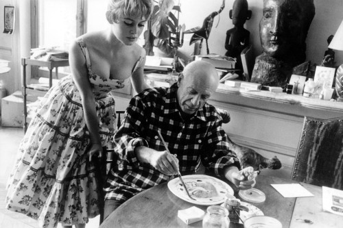 suicideblonde:  Brigitte Bardot watches Pablo Picasso at work in his studio in Vallauris during the 1956 Cannes Film Festival
