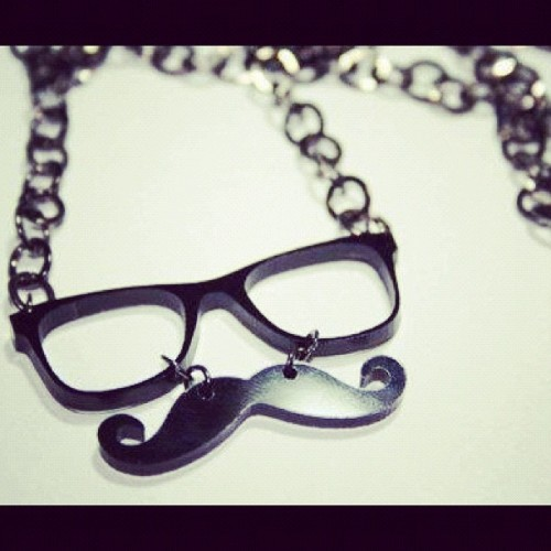 My necklace <3 #girly #followme #fashiontrend #fashion #mustlove #vintage #cute #trends #cool #loveit #moustache #retro #eyeglass #blah #black  (Taken with instagram)
