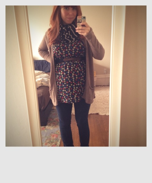 "Preggy style - 21 week edition.  I am still wearing my ""normal"" clothes (except for one Old Navy Maternity maxi dress that is super comfy and my normal jeans with the aid of an elastic hair tie & the Bella Band) and have made it a fun game to figure out what still fits and is bump-appropriate. You can kinda see the bump making an appearance in this tunic! Hi, bumpalump. Also, my boobs looks huge in this photo. Yowza."