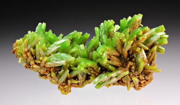 mineralia:  Pyromorphite from China by Dan Weinrich