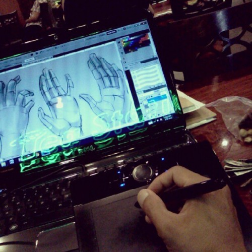 Wacomin' it #wacom #digitalpainting #hands #anatomy #drawingtablet #tablet #teastation #coffee #class #photoshop #drawing #blackandwhite (Taken with instagram)