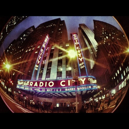radio city music hall #newyork #nyc #radiocitymusichall #music #manhattan  (Scattata con instagram)