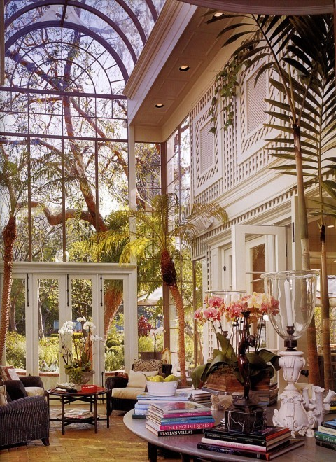 Beautiful multi-story conservatory (via Homes)