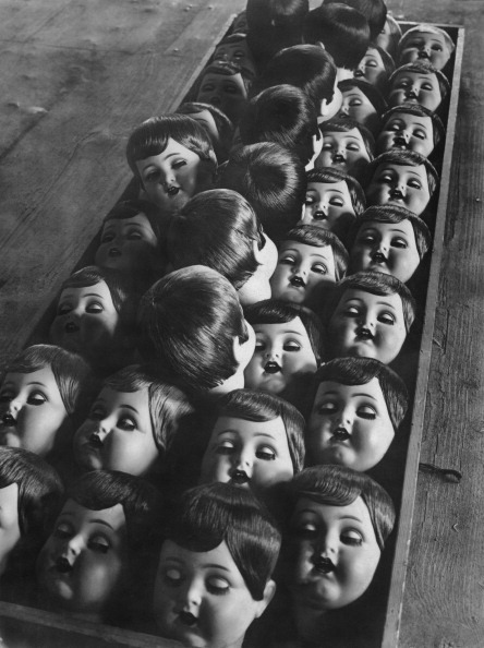 dollmixture:  Row of dolls heads during production, Germany, 1950