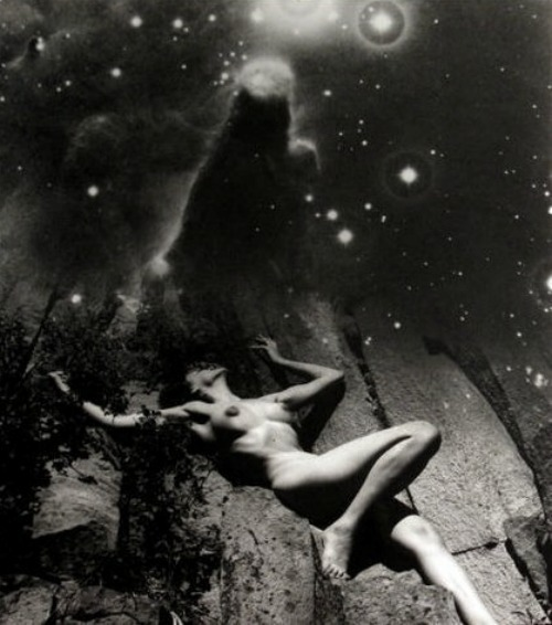 blackspaceandstars:  Nude Under the Stars by André de Dienes, 1955Also