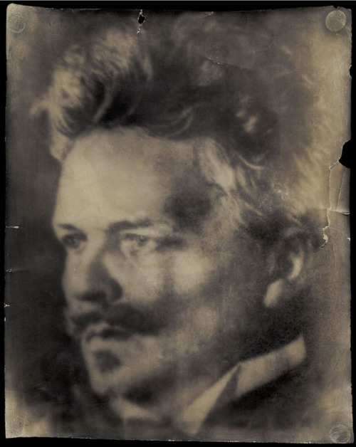 "© August Strindberg, ca. 1906, Self-Portrait, Stockholm [Självporträtt med Wunderkamera] For the 100th anniversary of his death, the Swedish Institute of Paris is presenting a photography exhibition ""L'image d'August Strindberg"". (read more) Exhibition dates: until Oct. 14, 2012 at Institut suédois (Paris). More about August Strindberg and the 100th Anniversary: August Strindberg 2012 Fotografiska Museet (thanks to / via: chagalov) » find more exhibitions here «"