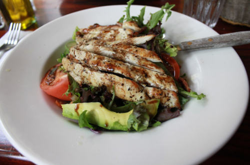 tro-pi-cal-sun:  l-iz:  NYC/Soho. tasty chicken salad with avocado  queud I'm in Amsterdam with my class xo