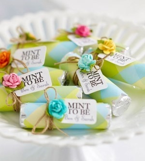 Cute wedding favor idea: Mint To Be :)