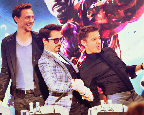 oi-dancing-boy:   3/50 - the avengers cast
