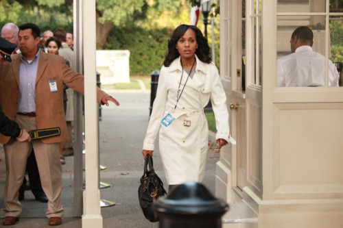 "6 Awesomely Shocking Moments from the Scandal Season 1 Finale ""Grant: For the People"""