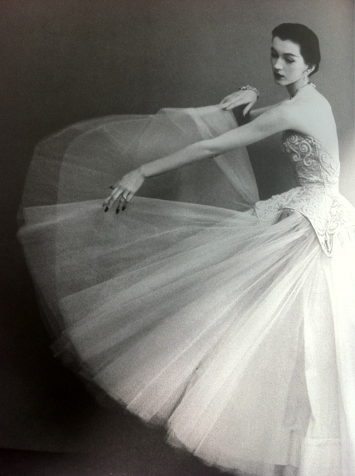 DOVIMA in BALENCIAGA, Circa August 1950 by AVEDON…………No.1