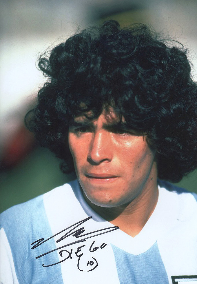 Autographed photo of Diego Maradona, World Cup '82. Source: La Bombonera