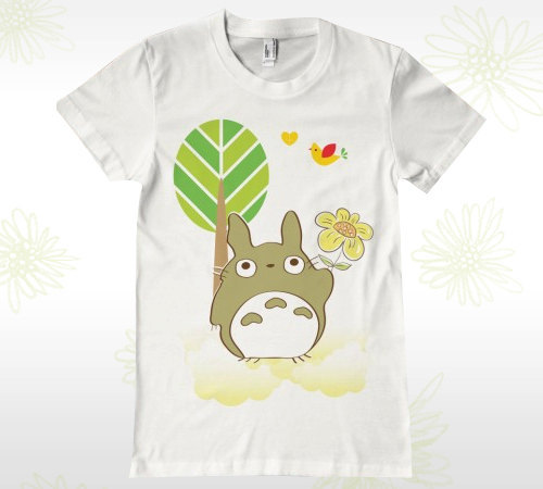 This totoro shirt is fantastic :O