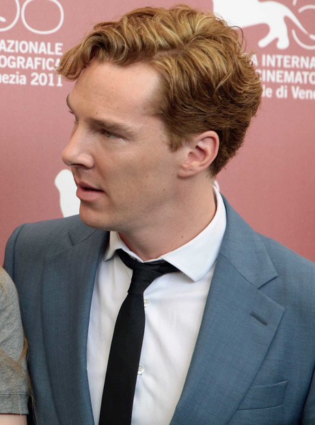 lornasp:  cumberbuddy:  That blue suit kills me, Sir Cumberbatch.  I loved everything about his look that day.