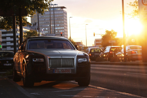 Rolls Royce Ghost (via)