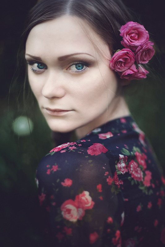 "(via 500px / Photo ""Inna"" by Olga Surikova)"