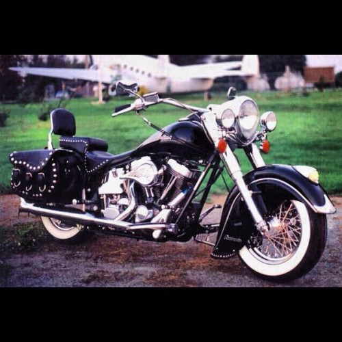 Getting my bike license and then buying this puppy. #2000 #indian #chief   (Taken with instagram)