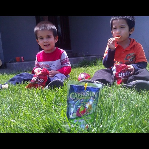 We're chillin bro. Snack time #Good #Weather #Cali #Sun #CapriSun #NoFilter (Taken with instagram)