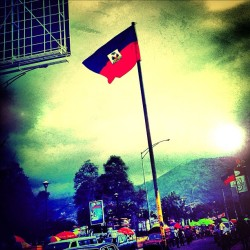 Happy Haitian Flag day #rougeetbleu #flag #haiti #photography. #kafouaeropò  (Taken with instagram)