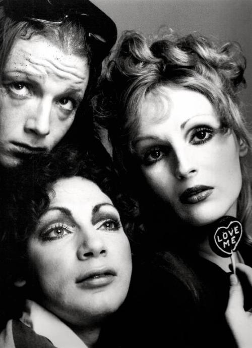 Jackie, Holly Woodlawn and Candy Darling photographed by Richard motherfucking Avedon