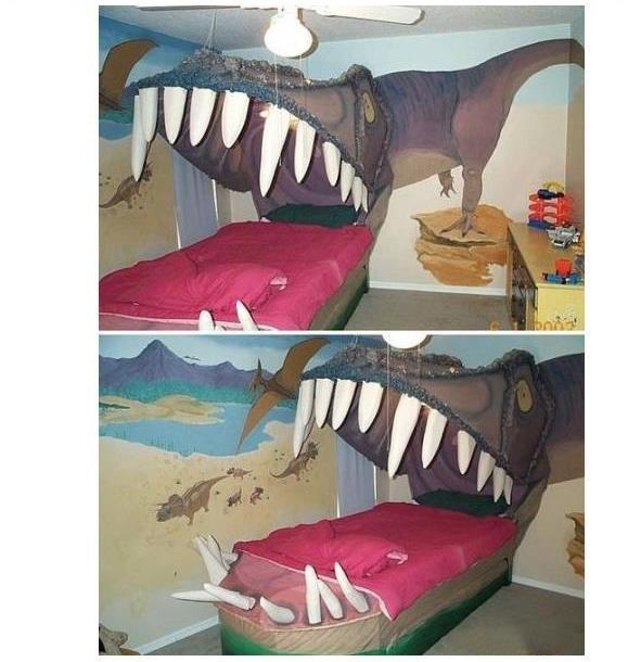 franksandbeanz:  I wonder if this is what Fred and Sarah's bed looks like.  I want this right meow!!