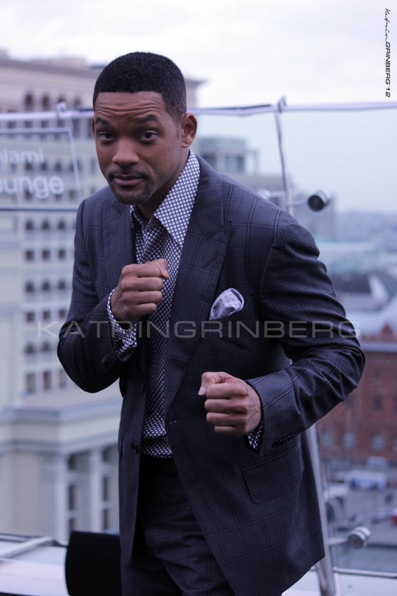 Hi for everybody from Will Smith