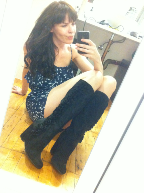 danadearmond:  The boots amazon lost finally found their way onto my paws! Thanks eddie ;)