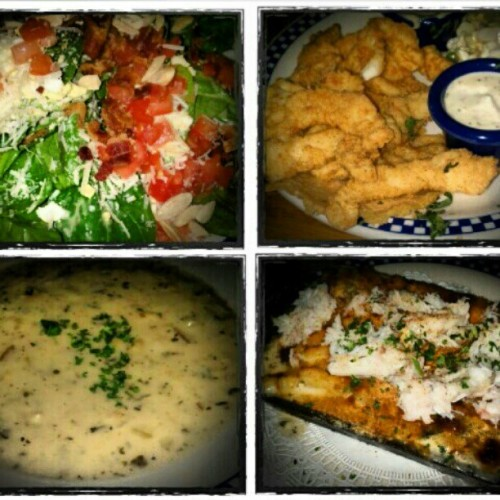 Seafood galore!! :) #crab #salad #macncheese #clam #chowder #calamari (Taken with Instagram at Duke's Chowder House)