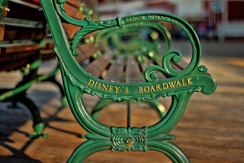 1stcomesthefall:  Boardwalk Bench on Flickr. Always wanted to get this shot. Nailed it.