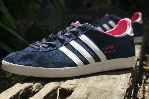 @kickspotting Adidas Gazelle OG W Marine Runwhite Bloom