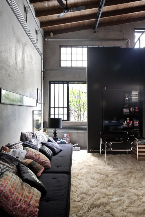 adancime:  omg yes this is cozy and home-like while still modern. really loving it.