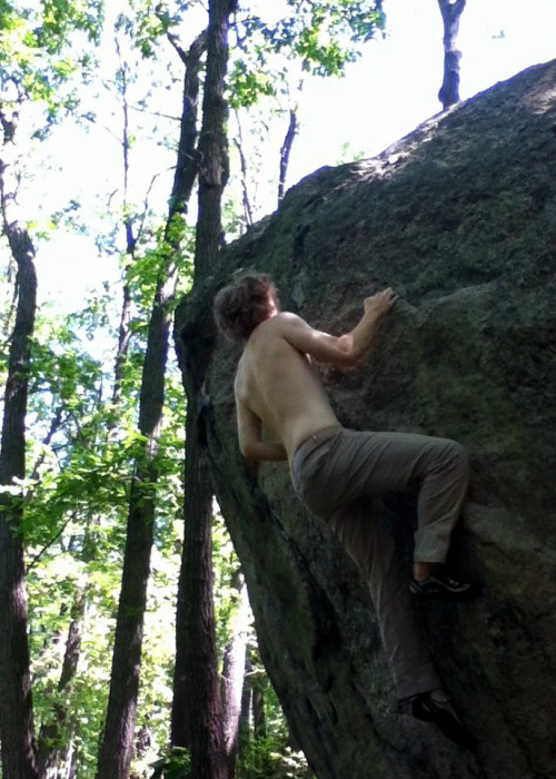finishing moves on my latest boulder project! it's the hardest boulder route i've done and it runs at v4/v5