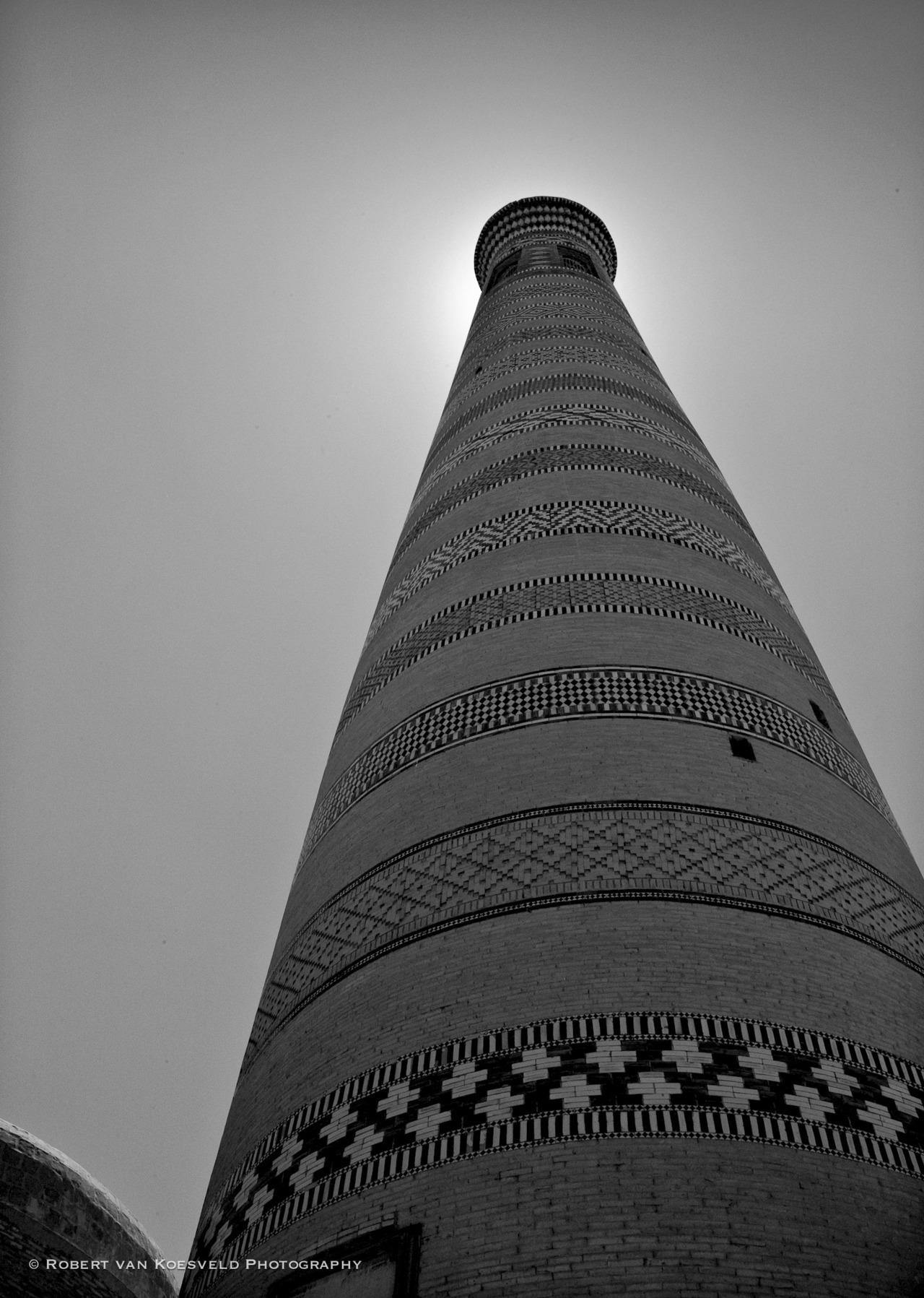 learningtosee:  Uzbekistan Light 02 Khiva I will be alternating portraits and cityscapes in this series. Series Link    (CC-BY-NC-ND)