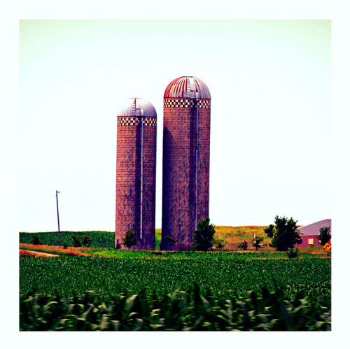 Ma & Pa Silo by Gordon _Iowa on Flickr.
