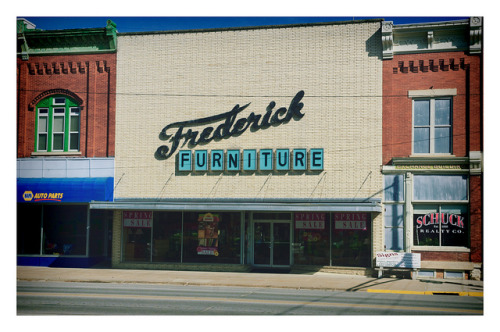Fredrick Furniture by Pete Zarria on Flickr. Via Flickr: A nice bit of slipcover redo in Grundy Center, Iowa.