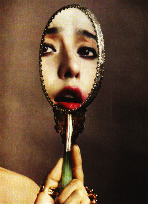 suicideblonde:  Fan Bingbing photographed by David Slijper for Vogue China, June 2012